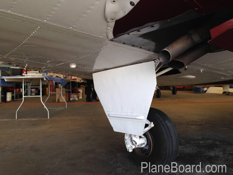 1967 Beechcraft C55 Baron exterior 5