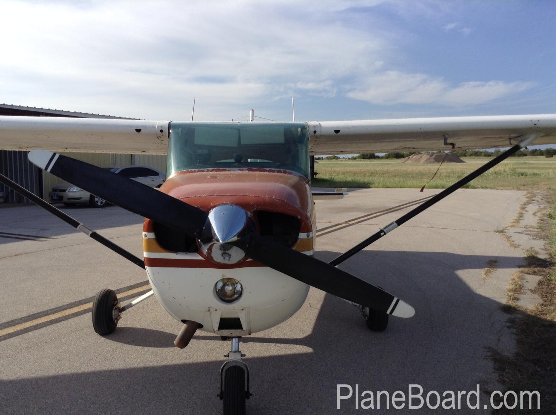 1976 Cessna 172N Skyhawk primary