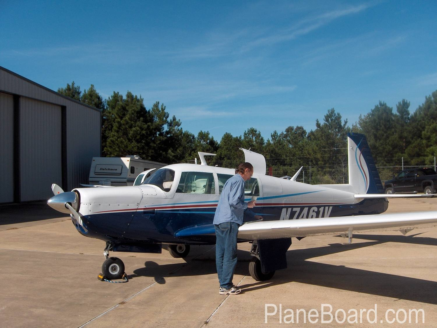 1975 Mooney M20F Exec 21 primary