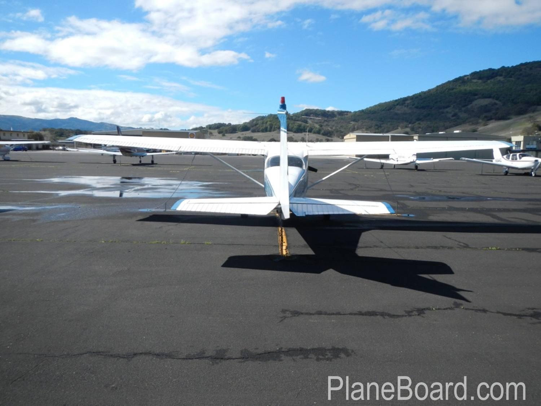 1967 Cessna 172 exterior 0