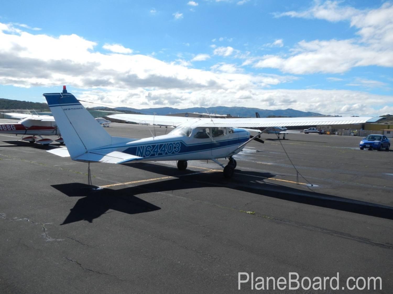 1967 Cessna 172 exterior 6