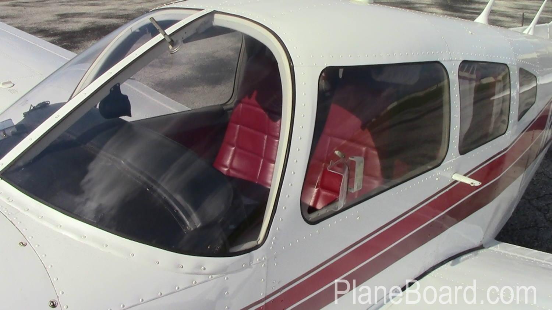 1977 Piper Arrow III exterior 1