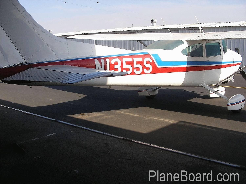 1976 Cessna 182P Skylane primary