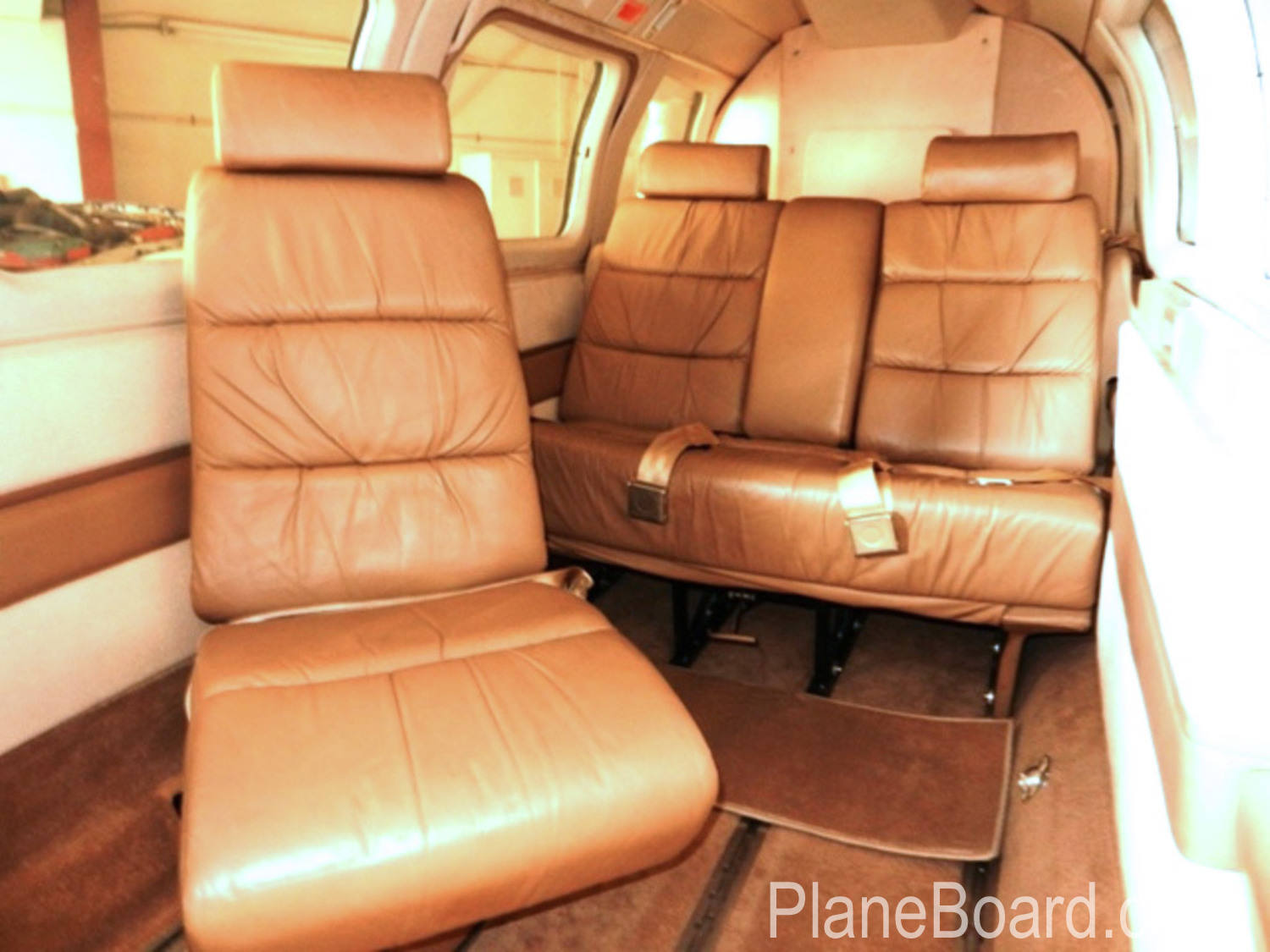 1979 Aerostar 700 Superstar interior 5