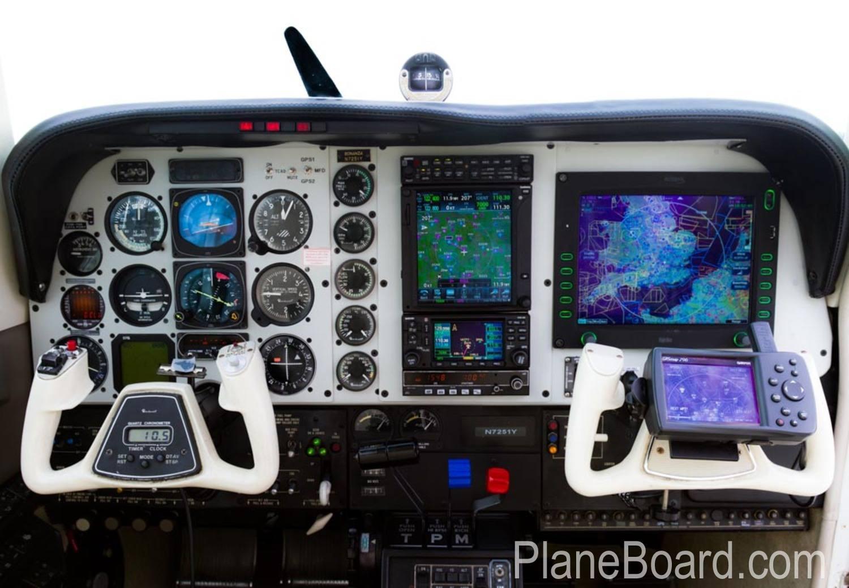 1985 Beechcraft A36 Bonanza interior 4