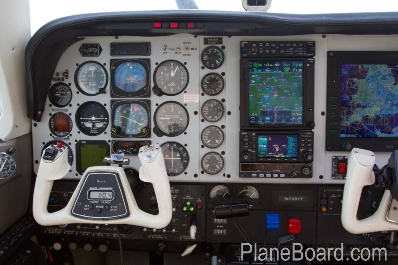 1985 Beechcraft A36 Bonanza interior 6