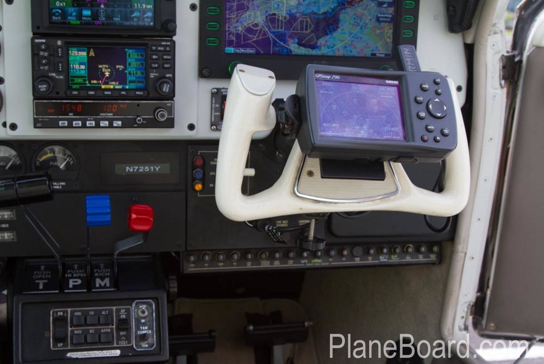 1985 Beechcraft A36 Bonanza interior 7