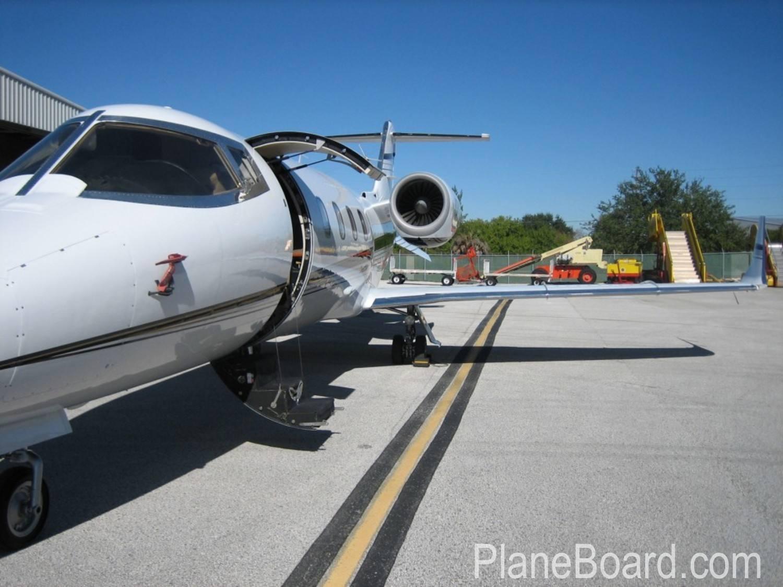 1998 Learjet 60 exterior 0