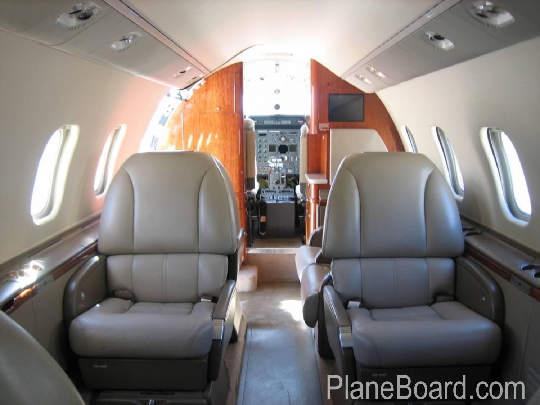 1998 Learjet 60 exterior 5