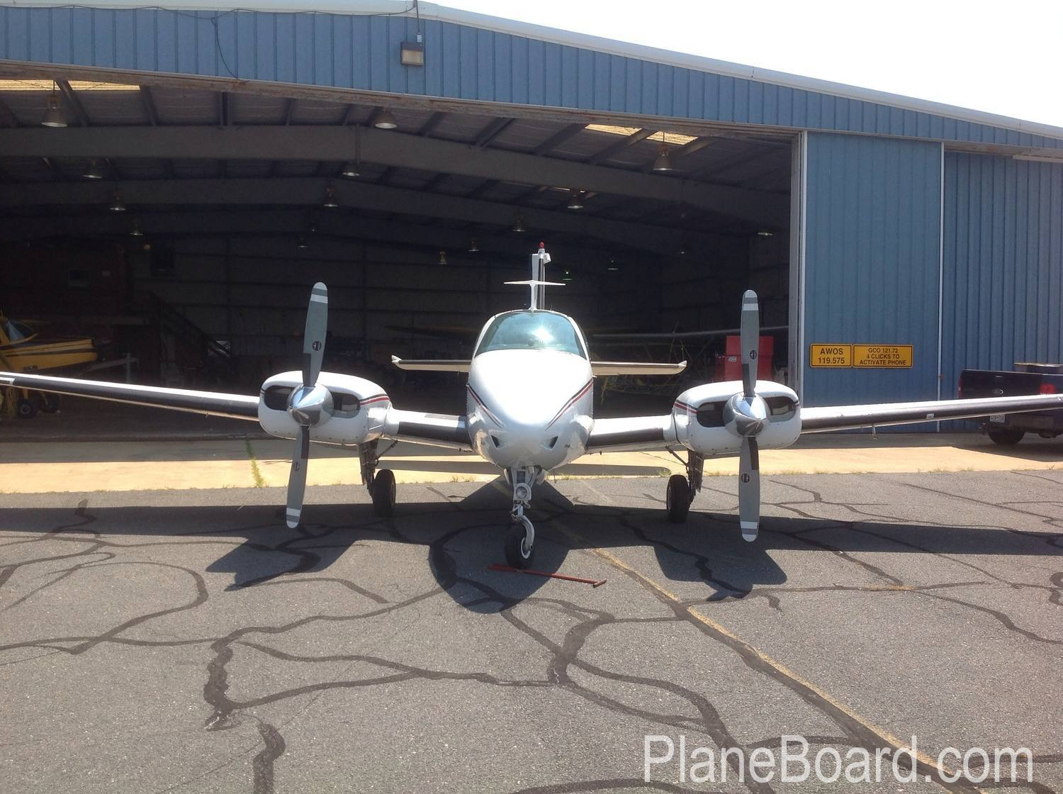 1972 Beechcraft B55 Baron primary