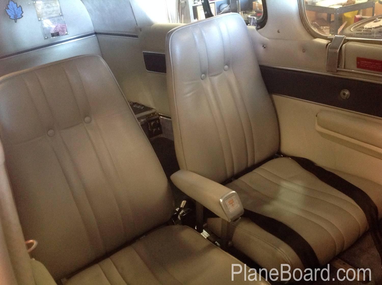 1972 Beechcraft B55 Baron exterior 1