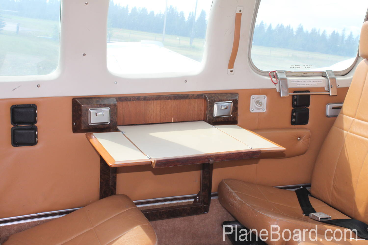 1976 Beechcraft 58 Baron interior 0