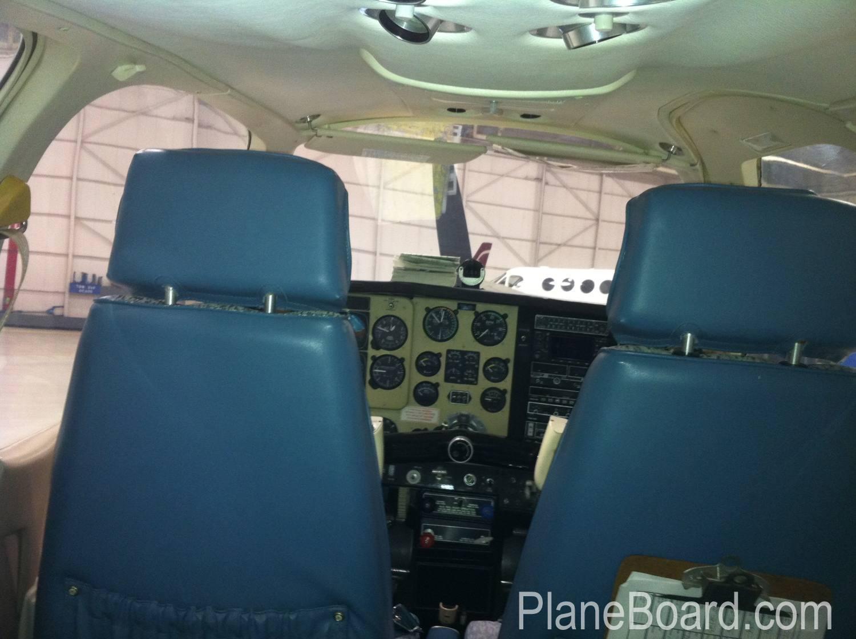 1991 Beechcraft F35 Bonanza exterior 2