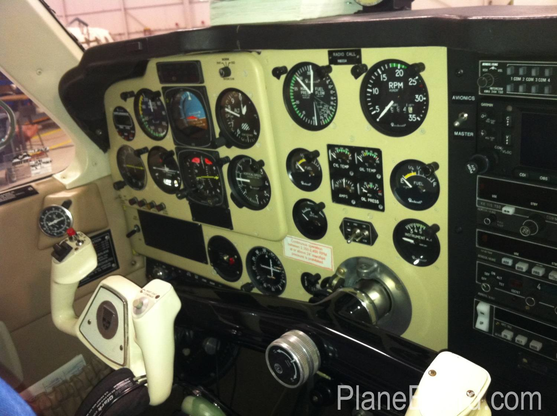 1991 Beechcraft F35 Bonanza interior 4