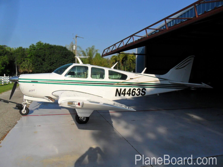 1975 Beechcraft A36 Bonanza exterior 2