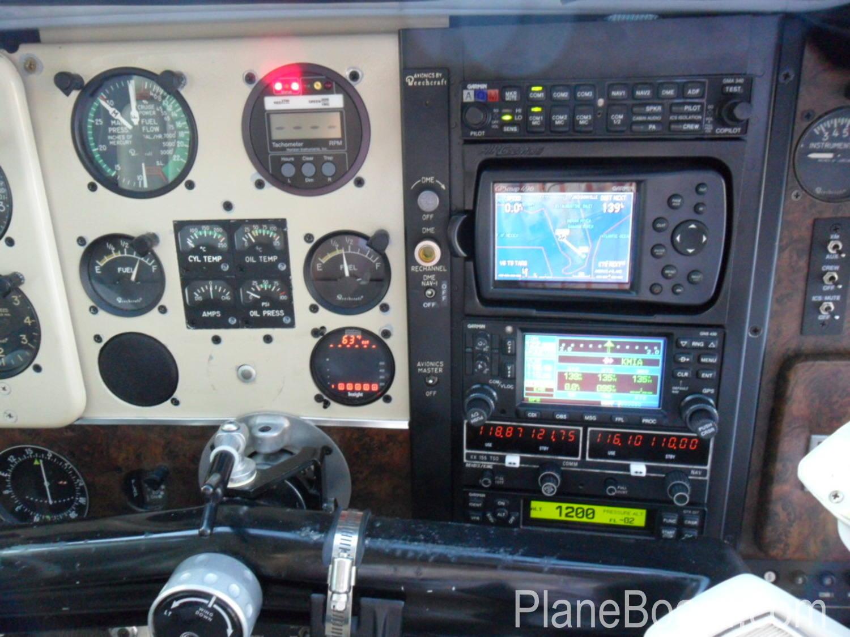 1975 Beechcraft A36 Bonanza interior 10