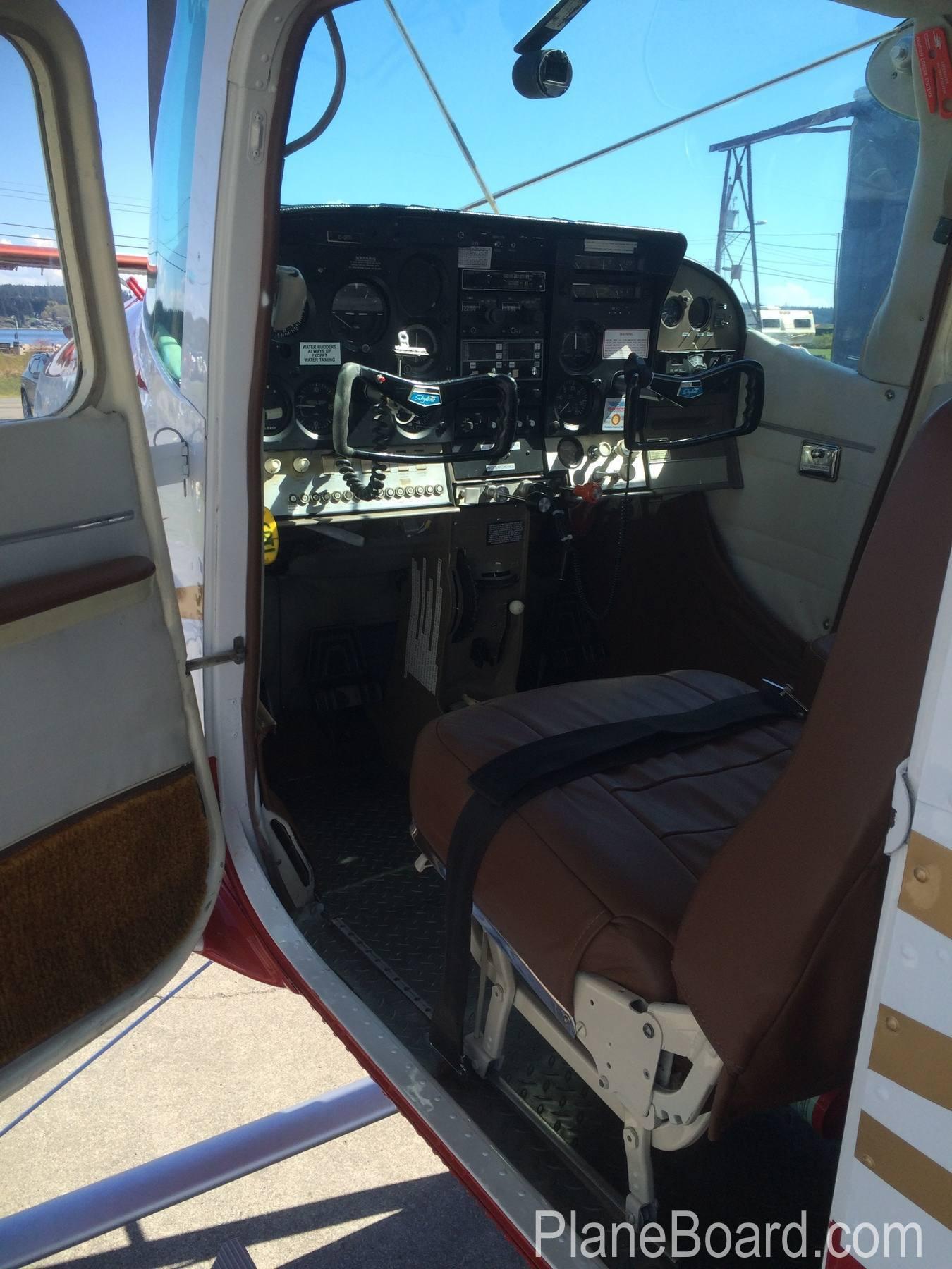1965 Cessna 182H Skylane interior 3