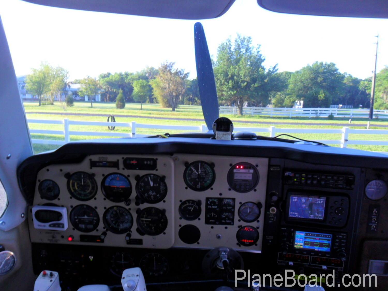 1975 Beechcraft A36 Bonanza interior 6