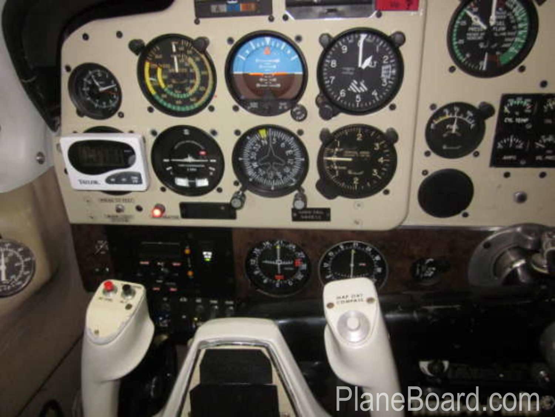 1975 Beechcraft A36 Bonanza interior 7