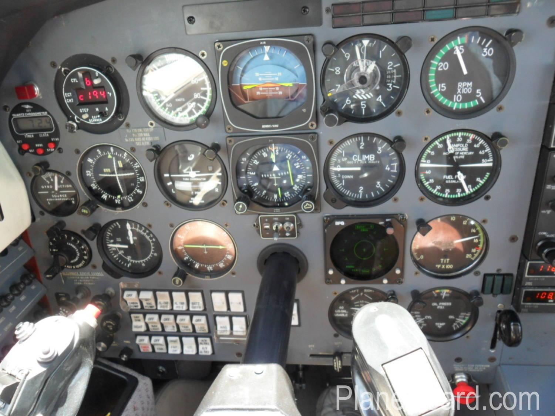 1984 Piper Malibu interior 5
