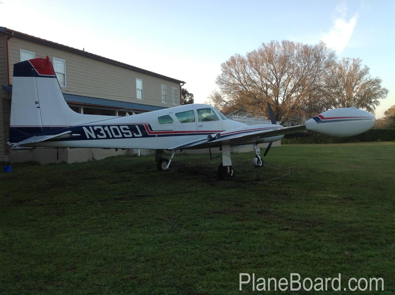 1958 Cessna 310B exterior 0