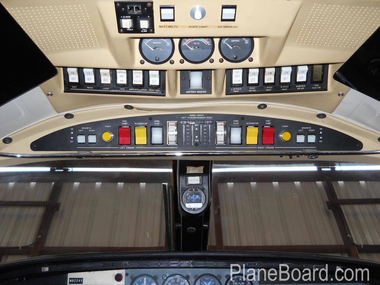1984 Piper P-Navajo interior 5