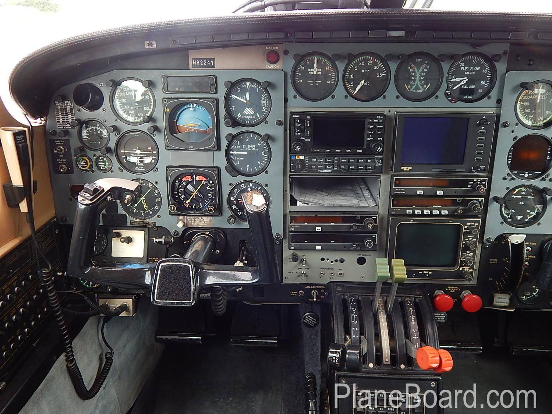 1984 Piper P-Navajo interior 7