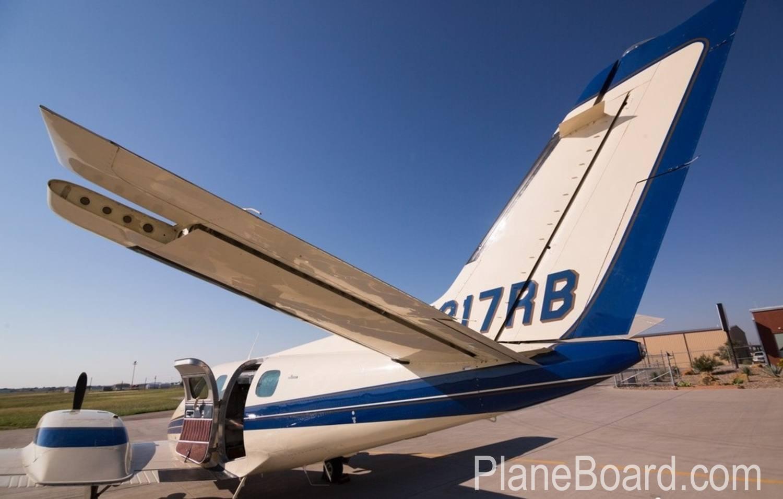 1978 Beechcraft 60 Duke exterior 2