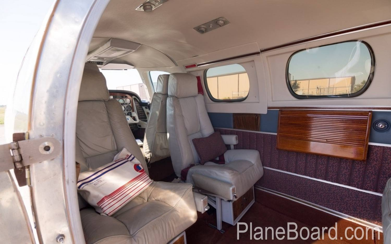 1978 Beechcraft 60 Duke exterior 4