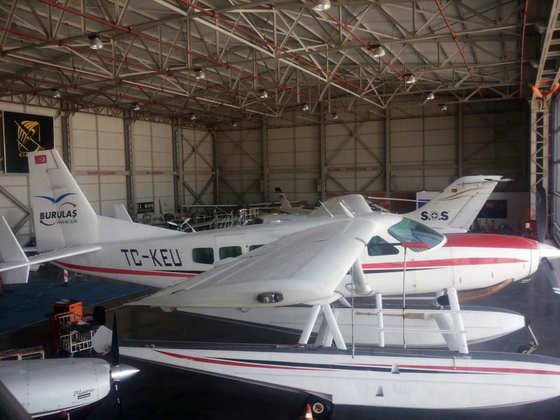2000 Cessna 208 Amphibian