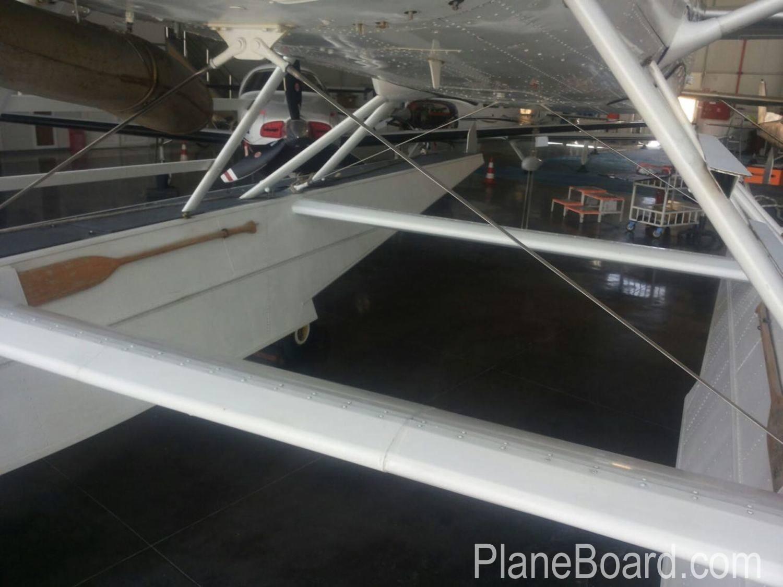 2000 Cessna 208 Amphibian exterior 2