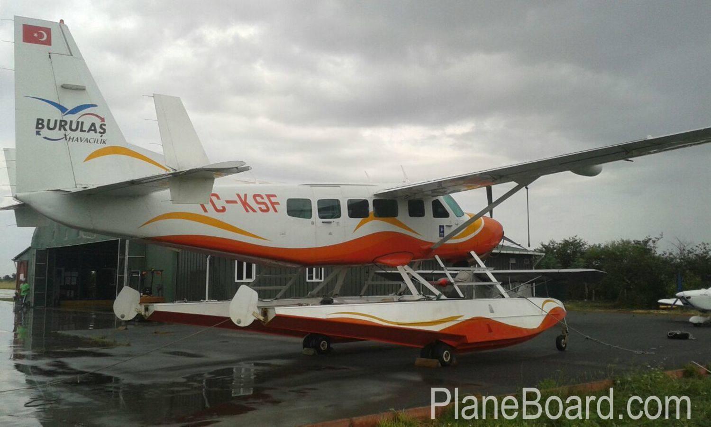 2008 Cessna 208 Amphibian exterior 2