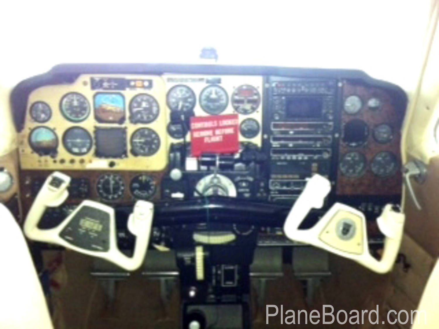 1979 Beechcraft 58 Baron interior 2