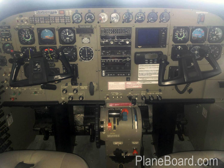 2000 Cessna 208 Amphibian interior 4