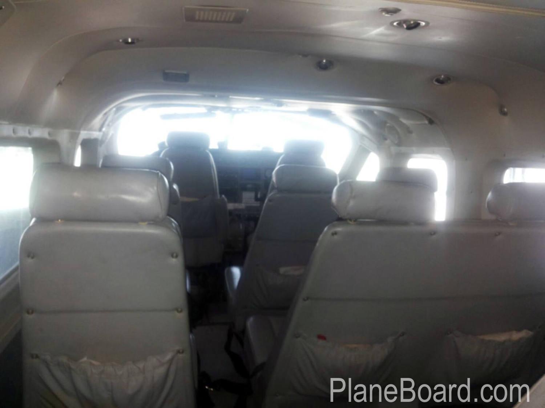 2000 Cessna 208 Amphibian interior 5