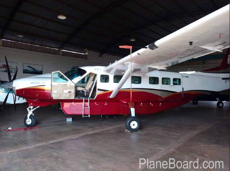 1991 Cessna 208B Grand Caravan exterior 1
