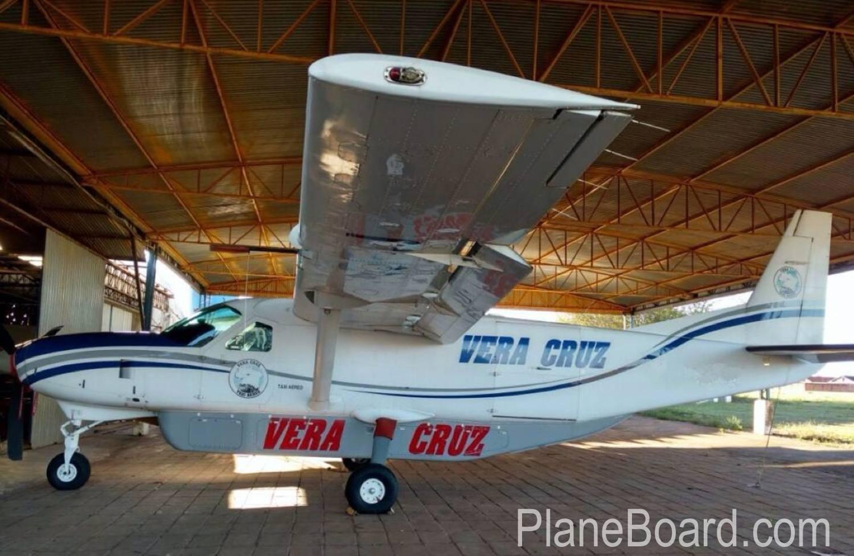 2006 Cessna Cargomaster exterior 0