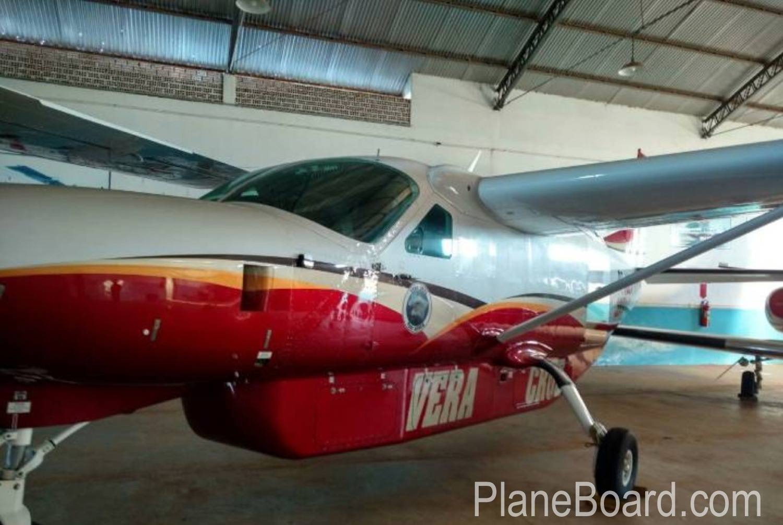 2007 Cessna 208B Grand Caravan exterior 1