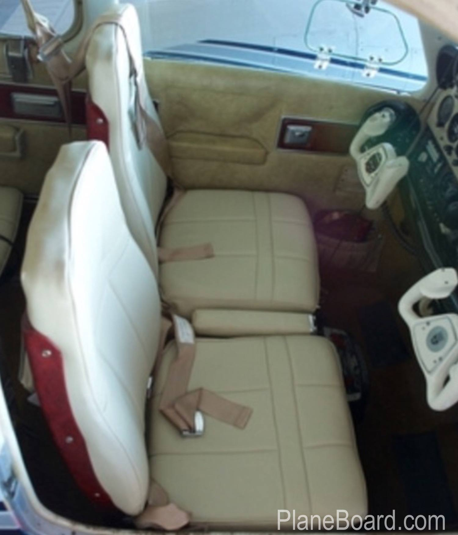 1973 Beechcraft B55 Baron interior 8