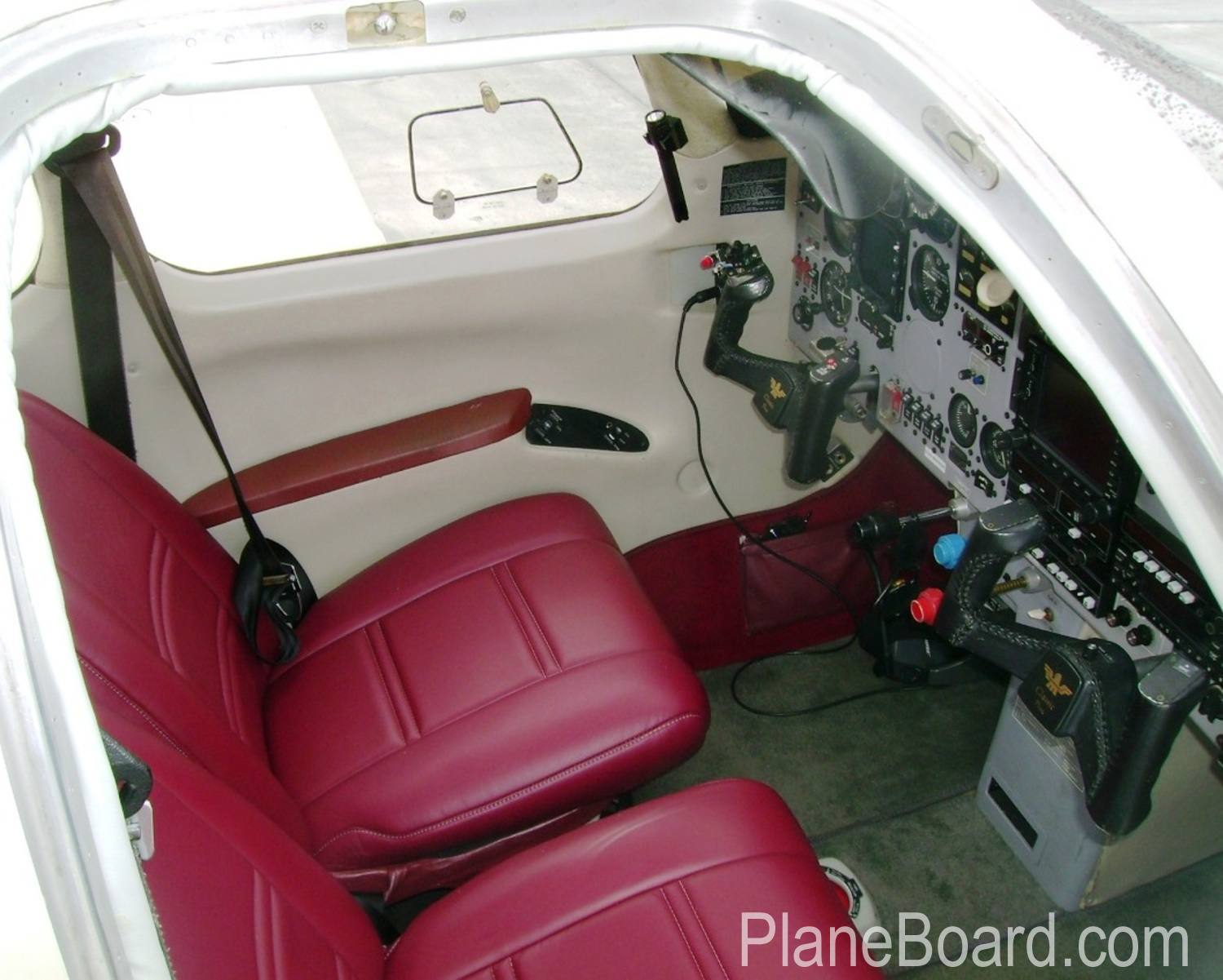 1998 Mooney M20R Ovation exterior 1