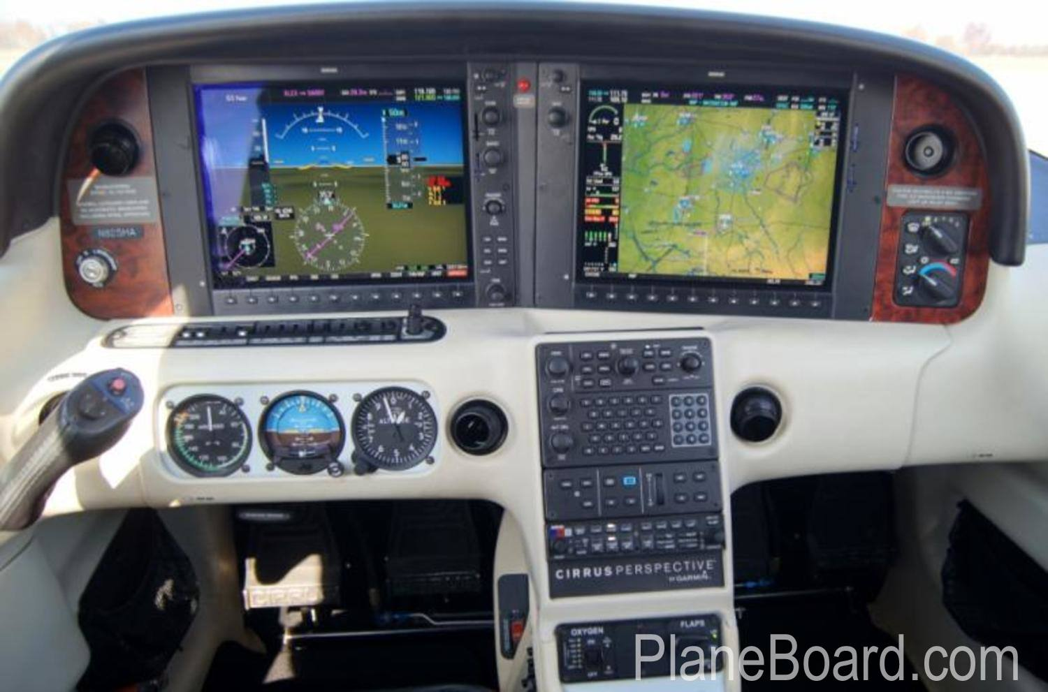 2009 Cirrus SR22-G3 Turbo GTS interior 0