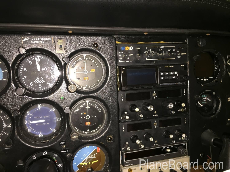 1980 Cessna 172RG Cutlass exterior 8