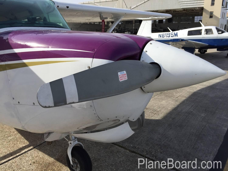 1980 Cessna 172RG Cutlass exterior 11