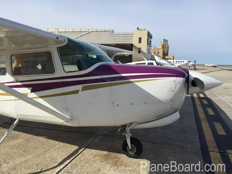 1980 Cessna 172RG Cutlass exterior 12