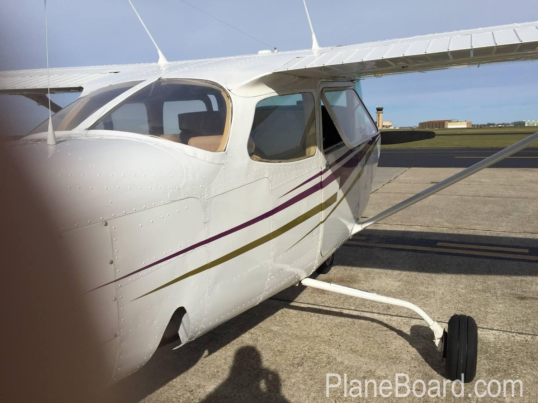 1980 Cessna 172RG Cutlass exterior 14