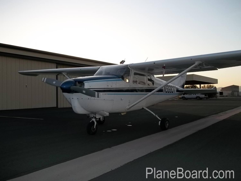 1960 Cessna 210 exterior 12