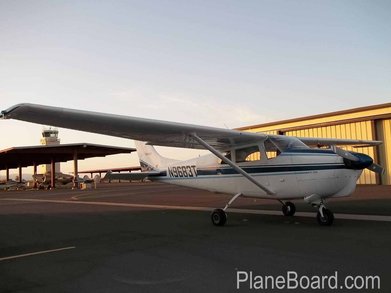 1960 Cessna 210 exterior 4