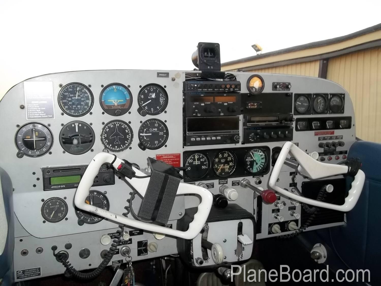 1960 Cessna 210 exterior 11
