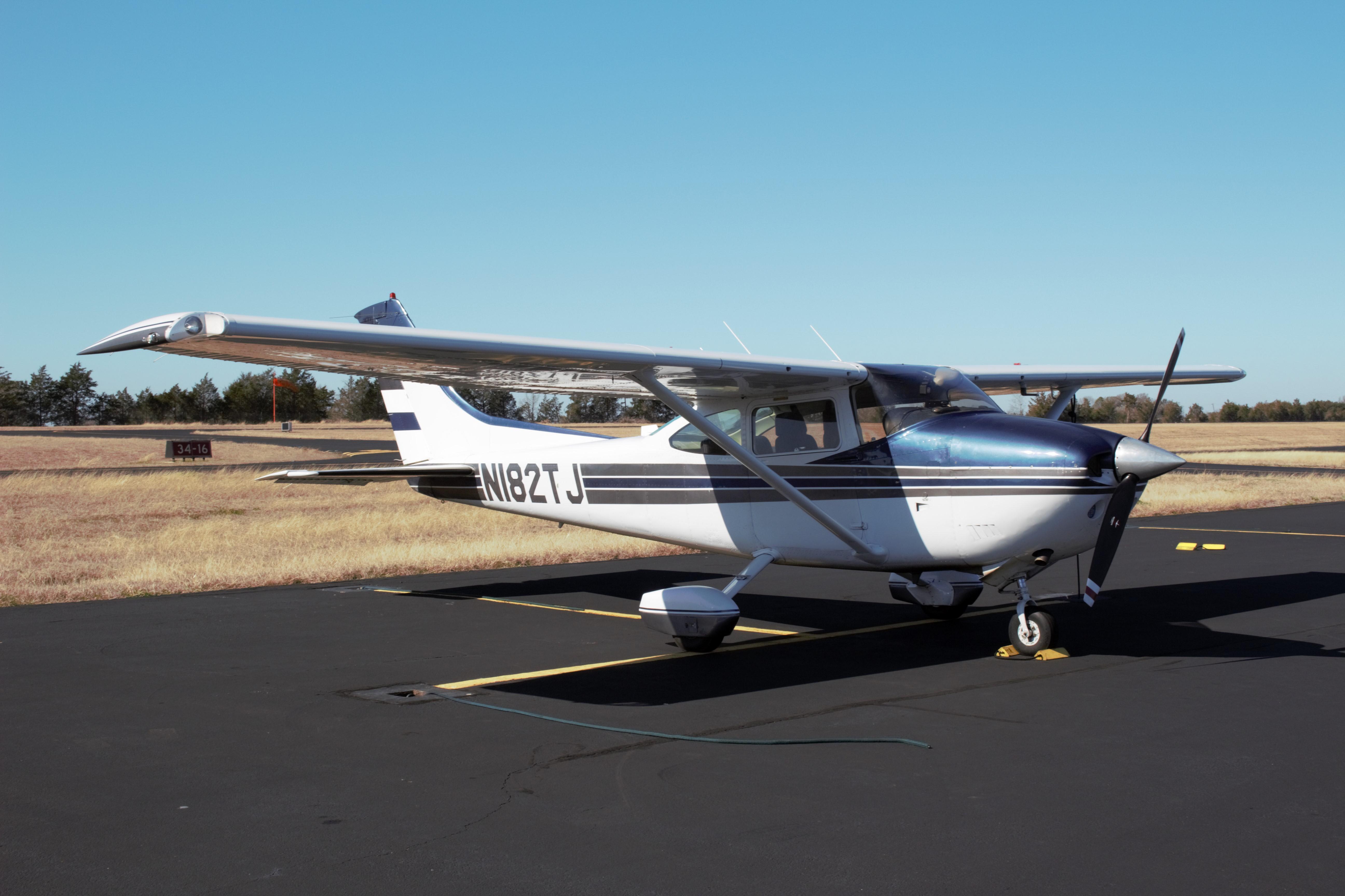 1977 Cessna 182q Skylane For Sale N182tj Planeboard