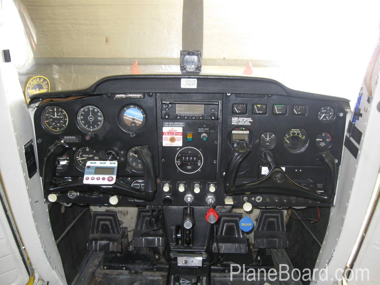 1957 Cessna 150/150 interior 5